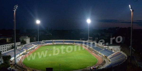 Nocturna Stadionului Municipal a fost pusă în funcţiune. Zeci de botoşăneni au venit să vadă minunea GALERIE FOTO-VIDEO