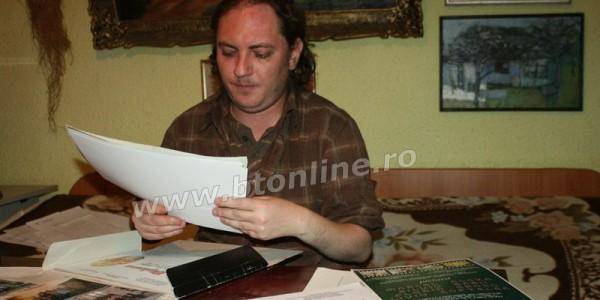 Un pictor botoşănean a ajuns bătaia de joc a statului român. Trebuie să restituie pensia de handicap pentru că a vândut legal opt tablouri