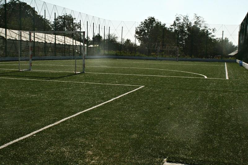 teren sintetic de fotbal, Saveni  (2)