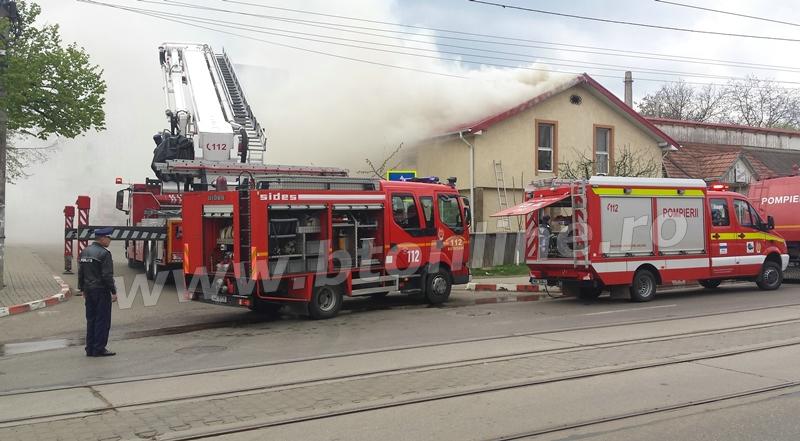 incendiu pompieri 19 aprilie