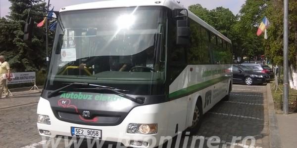 După tren de mare viteză spre Suceava şi stadion de Liga Campionilor, primarul Portariuc vrea autobuz electric de 400.000 de euro FOTO