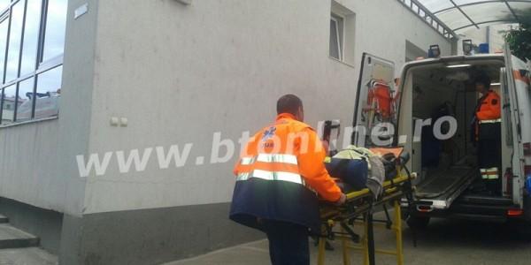 Caz incredibil în Botoşani. Un copil de o lună a ajuns de la botez direct la spital. Între timp a fost transferat la Iaşi FOTO