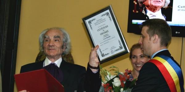 """Academicianul Leon Dănăilă a devenit cetăţean de onoare al municipiului Botoşani. Momente emoţionante: """"Mulţumim. Mi-aţi salvat viaţa"""" GALERIE FOTO"""