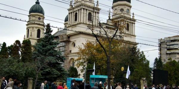 Mitropolia Moldovei este pe cale să dea un tun de aproape un milion de euro în judeţul Botoşani. Un complex care funcţionează de 40 de ani riscă să dispară