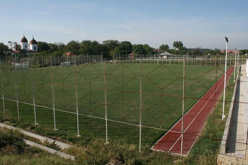 Pomarla, teren fotbal (sept 2015) (2)