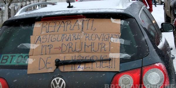 Şoferii din Mihălăşeni şi comunele învecinate au ieşit în stradă pentru a protesta împotriva autorităţilor GALERIE FOTO-VIDEO