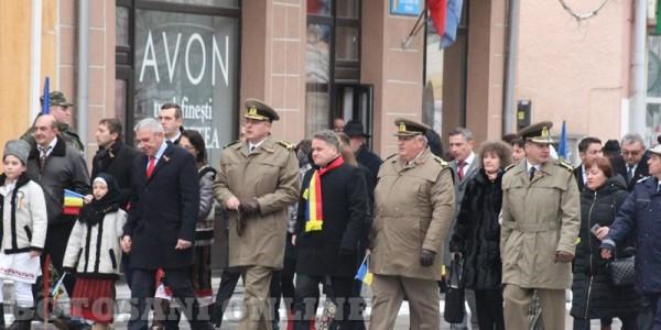 Momente JENANTE la Botoşani. Au folosit ZIUA NAŢIONALĂ A ROMÂNIEI pentru campanie electorală GALERIE FOTO