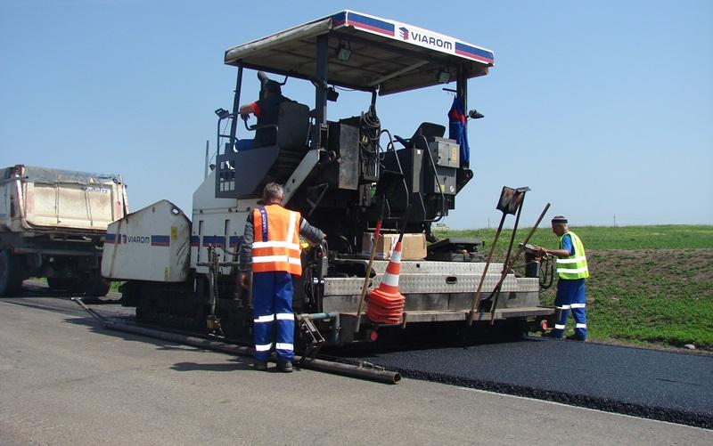 lucrari asfaltare drum national4