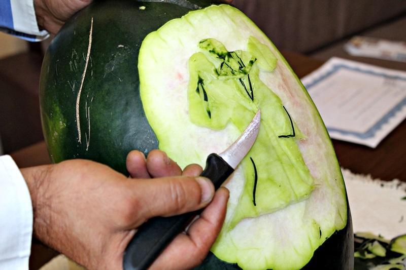 constantin pocai, sculptor in fructe si legume (15)