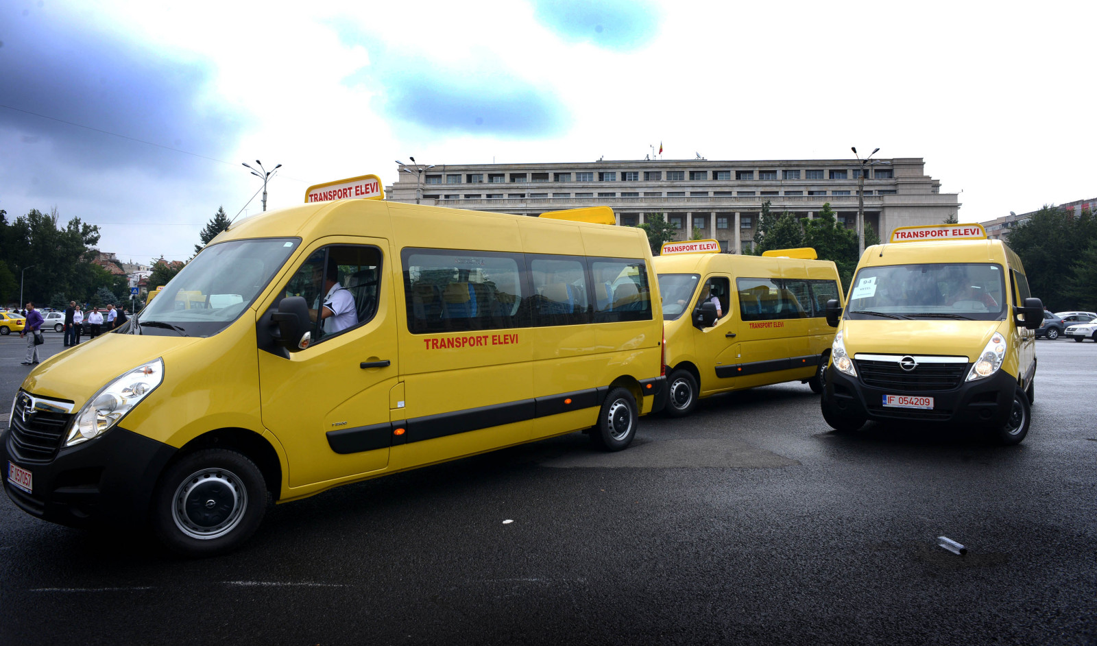 microbuze scolare FOTO Cotidianul