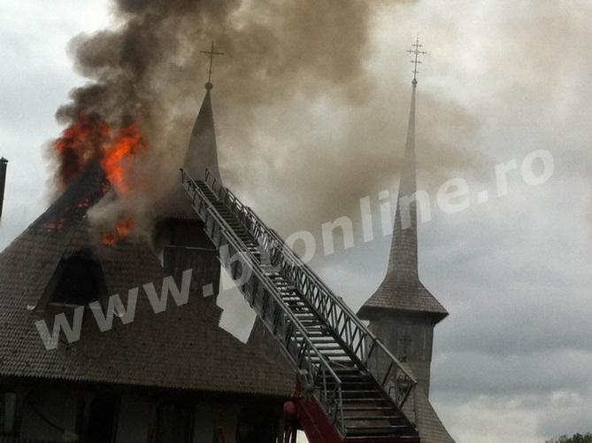 incendiu biserica (1)