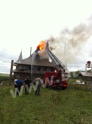 incendiu biserica (2)