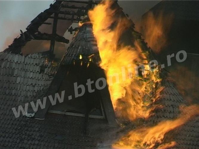 incendiu biserica lebada (3)