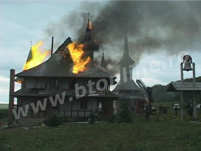 incendiu biserica lebada (4)