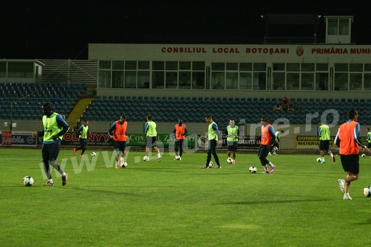 FC Botosani antrenament in nocturna (10)