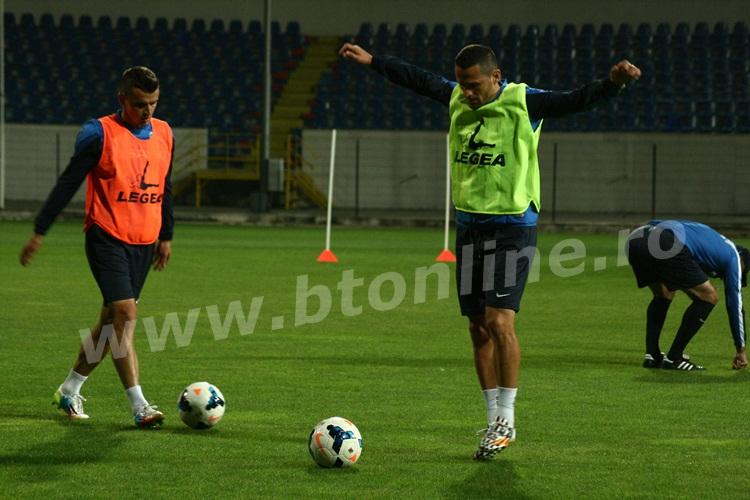 FC Botosani antrenament in nocturna (12)