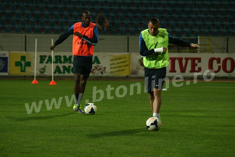 FC Botosani antrenament in nocturna (14)