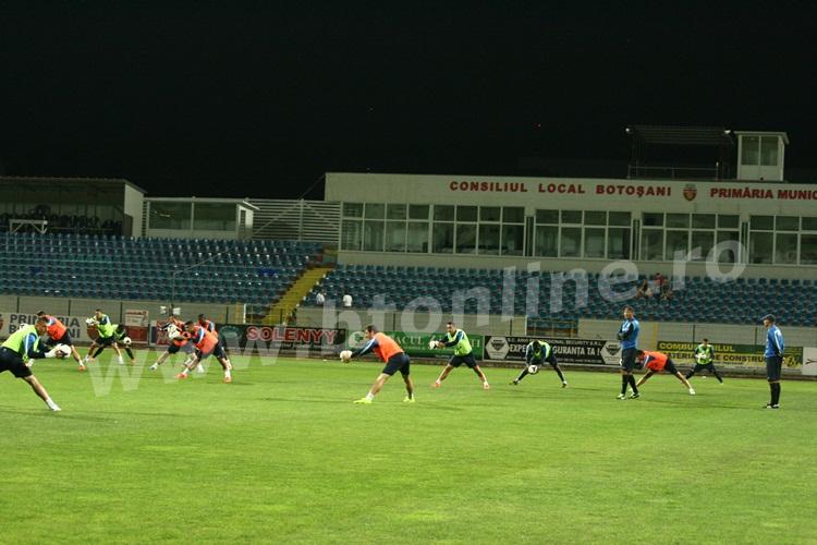 FC Botosani antrenament in nocturna (18)