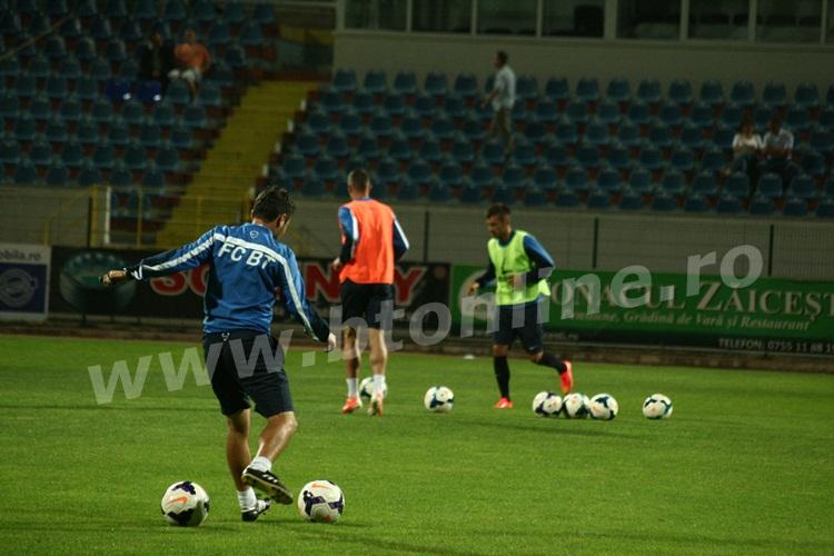 FC Botosani antrenament in nocturna (24)