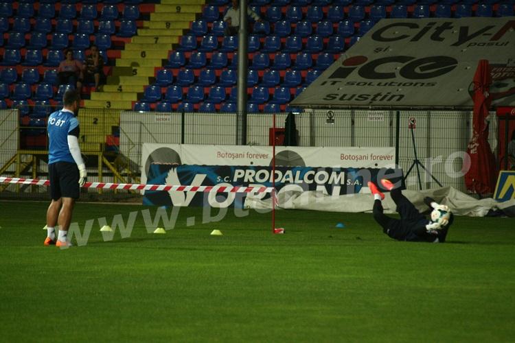 FC Botosani antrenament in nocturna (27)