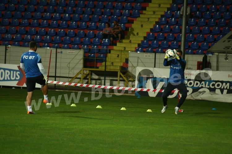 FC Botosani antrenament in nocturna (28)