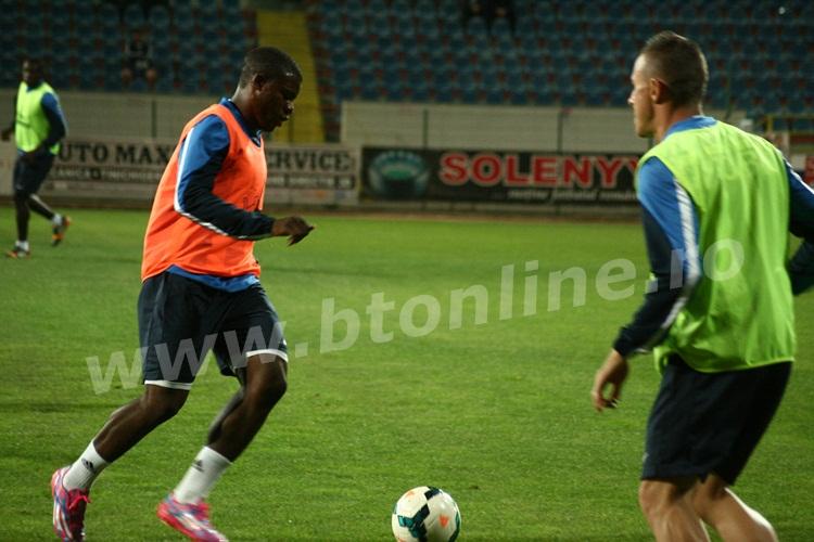 FC Botosani antrenament in nocturna (29)