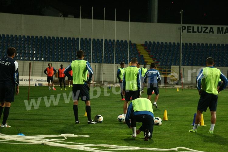 FC Botosani antrenament in nocturna (30)