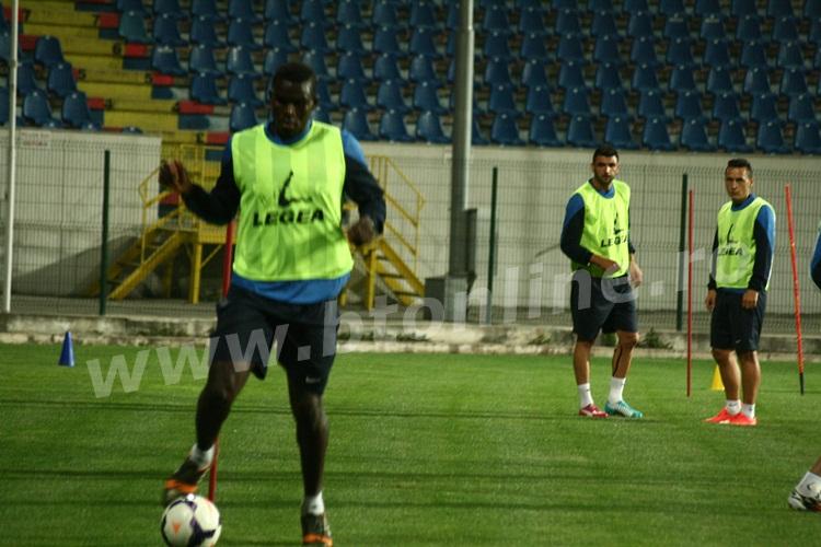 FC Botosani antrenament in nocturna (32)