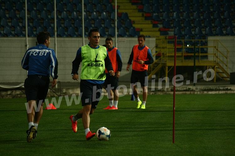 FC Botosani antrenament in nocturna (34)