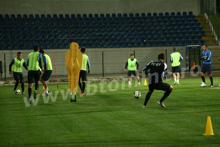 FC Botosani antrenament in nocturna (36)