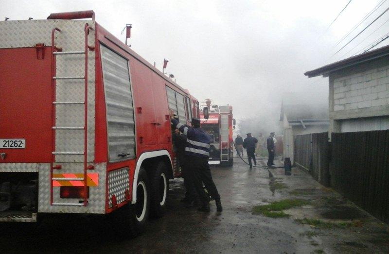 incendiu strada Popauti