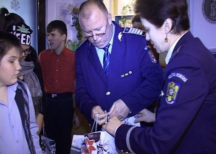 politisti cadouri copii