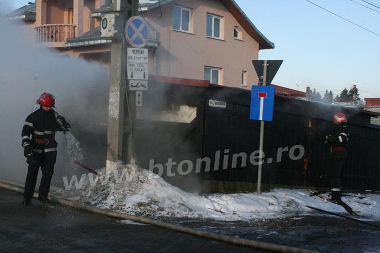 incendiu strada codrului botosani, isu, pompieri (2)