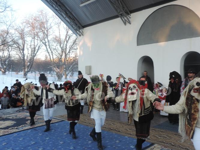 pomarla festival de datini si obiceiuri de iarna (7)