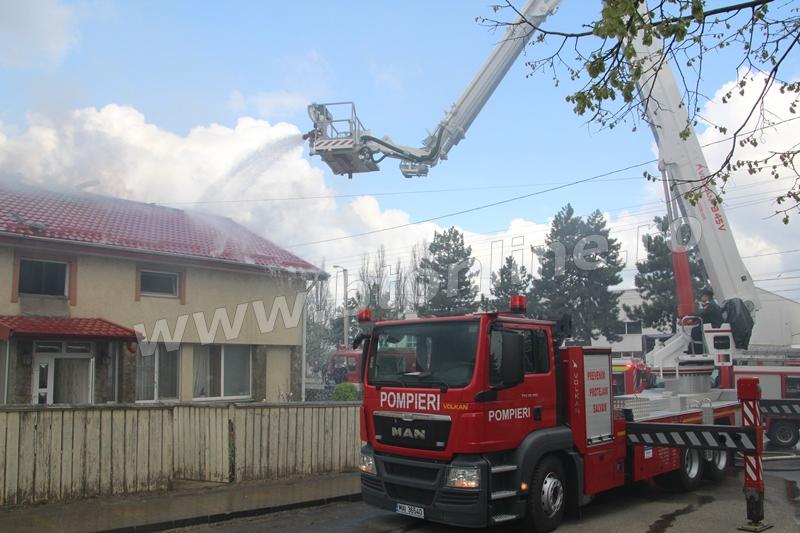 incendiu pompieri 19 aprilie2