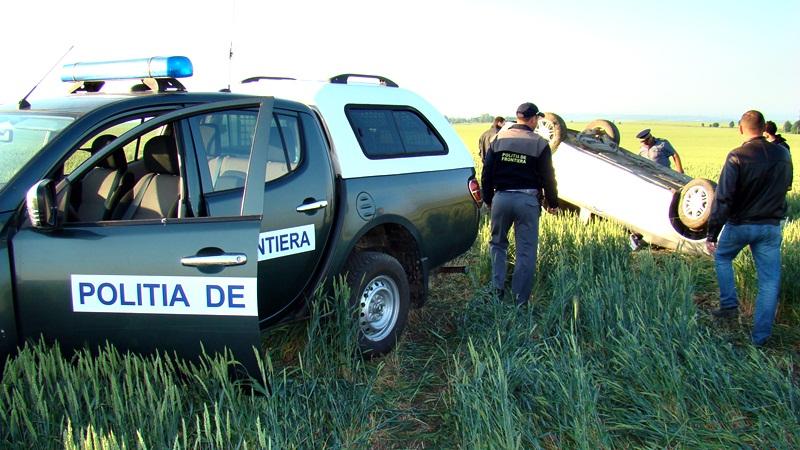 politia de frontiera masina rasturnata