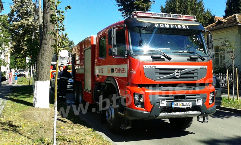incendiu isu, pompieri (6)