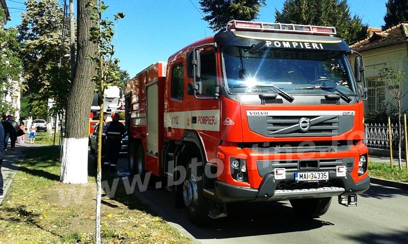 incendiu isu, pompieri (8)