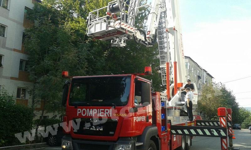 interventie pompieri aleea tiberiu crudu (12)
