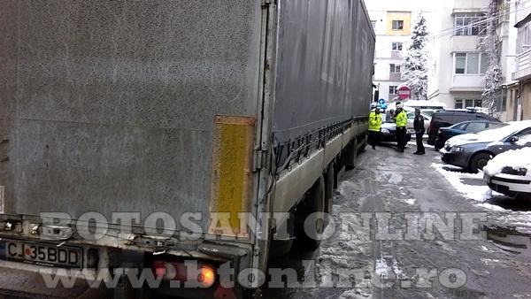 bucovina strada blocata de un tir (1)