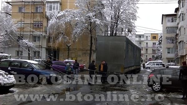 bucovina strada blocata de un tir (4)