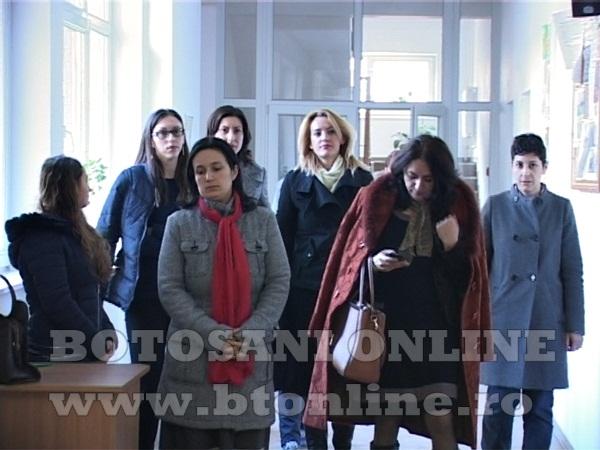 protest liceu Trusesti (1)