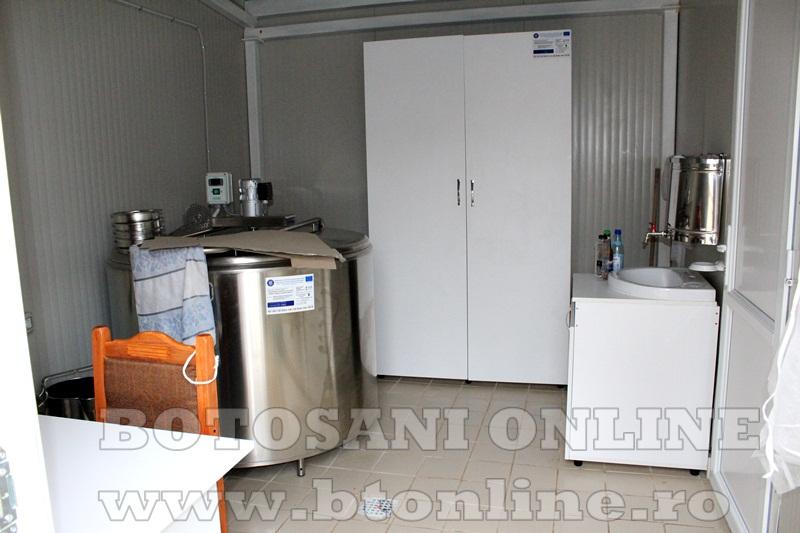 Vlasinesti, centru de colectare a laptelui (2)
