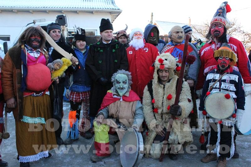 Vorona, traditii, datini si obiceiuri 31 decembrie 2015  (21)