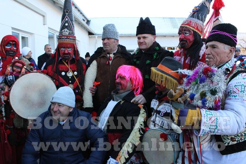Vorona, traditii, datini si obiceiuri 31 decembrie 2015  (4)