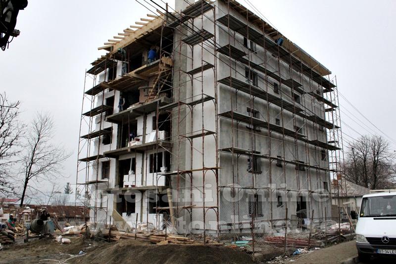 Saveni, bloc ANL in constructie (5)