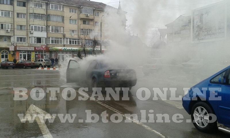 masina incendiu botosani (1)