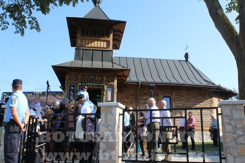 sfintire biserica Sf Nicolae Prisacani Flamanzi (2)
