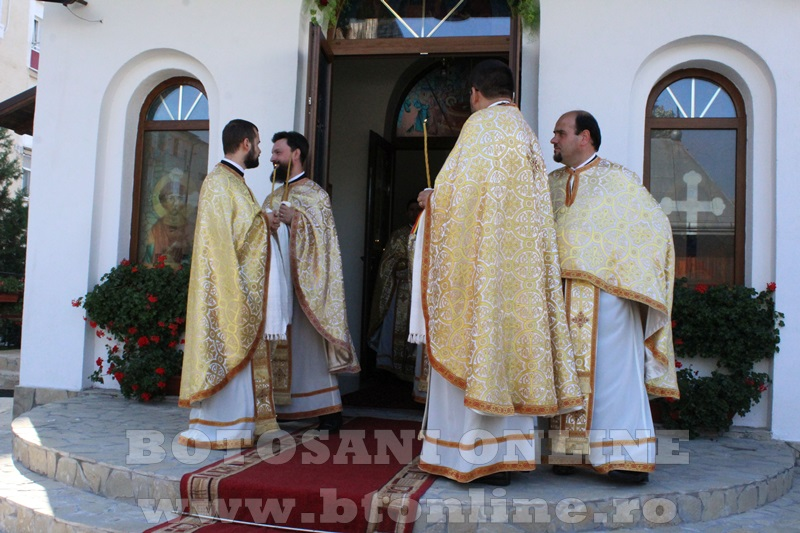 sfintire biserica cartie rotunda botosani (27)
