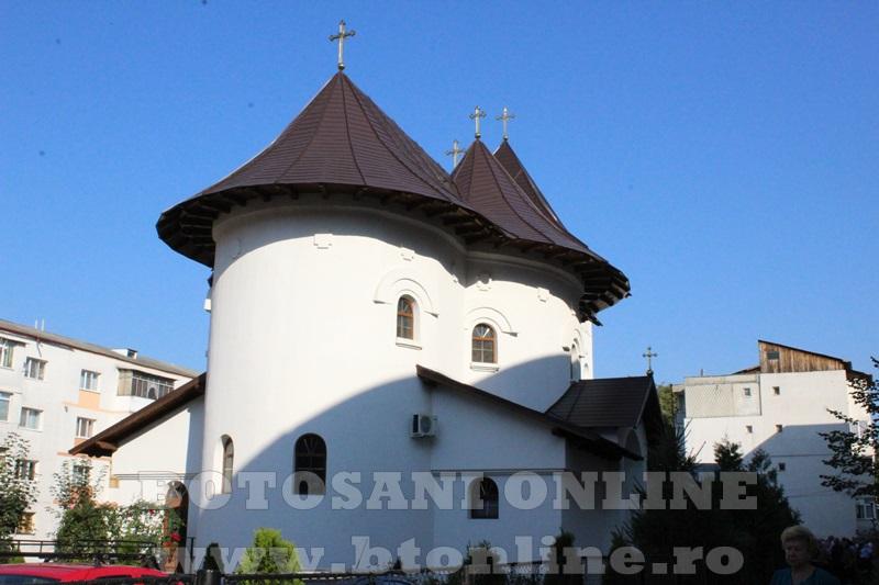 sfintire biserica cartie rotunda botosani (3)